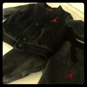 Jordan jumpsuit 0-6month black and red